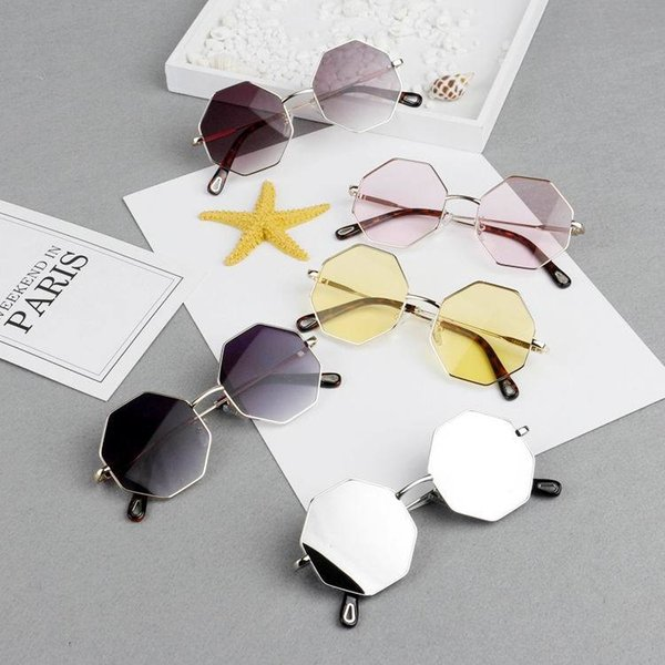Gafas de sol de diseño Hexágono Marco de metal Niños Gafas de sol Vintage Polígono Lente Gafas Moda Niños Niñas Gafas 5 colores MMA2029