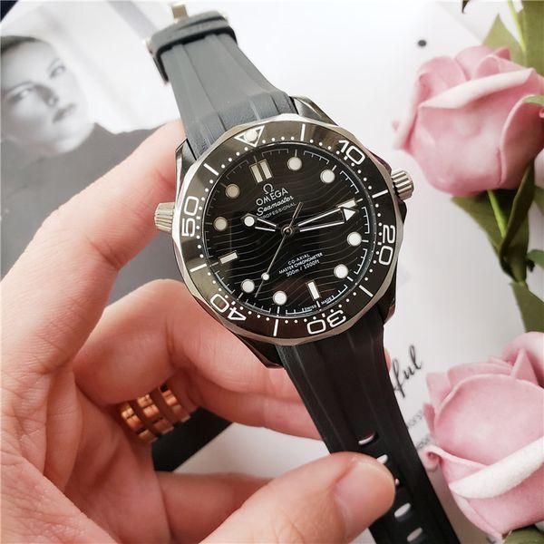 NEUAAAOmega-heiße Verkaufs-Modemarken Uhren Männer Frauen Luxusuhr mechanische Uhr Gummiband Sport boxed Q46 beobachten