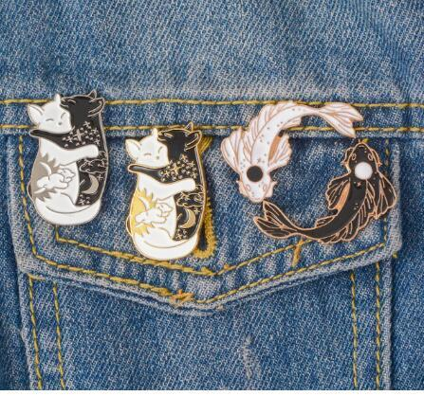 JÓIAS Yin Yang Pinos Coleção ~ Yin-Yang Gato E Yin-Yang Broches De Peixe Emblemas pinos Esmalte Japonês Peixe Jóias