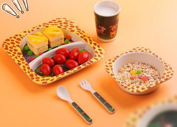 Verde de mesa de fibra de bambu para as crianças alimentos placa de banda desenhada set tigela de arroz bacia bebê colher garfo copo de água com 5 peças