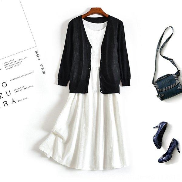 Falda blanca + Negro Cardigan