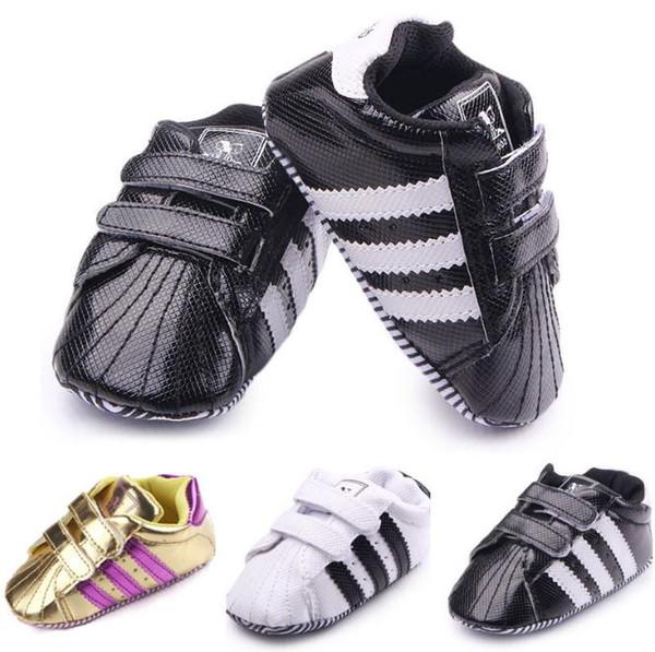Chaussures de bébé en cuir de mode chaussures de bébé occasionnelles anti glissement chaussures de bébé à la main 0-18 mois