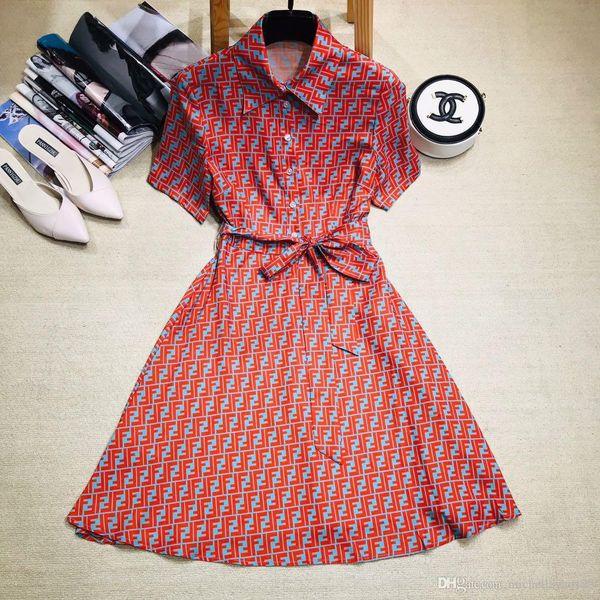 2019 Yaka Boyun High End Tasarımcı Mektubu Baskı kadın Elbise Logosu Kısa Sleevs Milan Pist Elbise 001