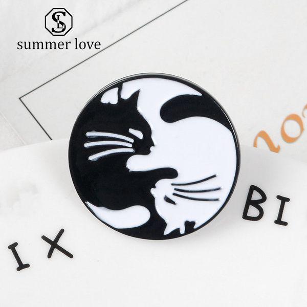 Cartton Blanc Noir Chat Broches Animal Mignon Émail Pin Chemise Vestes Collier Bouton Badge Pin Cadeau Bijoux Accessoire
