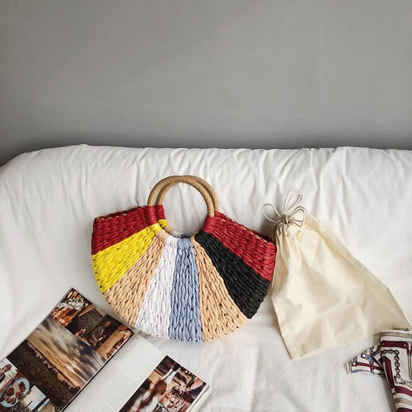 Bolsas de paja tejidas hechas a mano multicolor Semicírculo tejiendo bolsa de playa Bolsos en forma de luna Bolso de paja salvaje mujeres Verano
