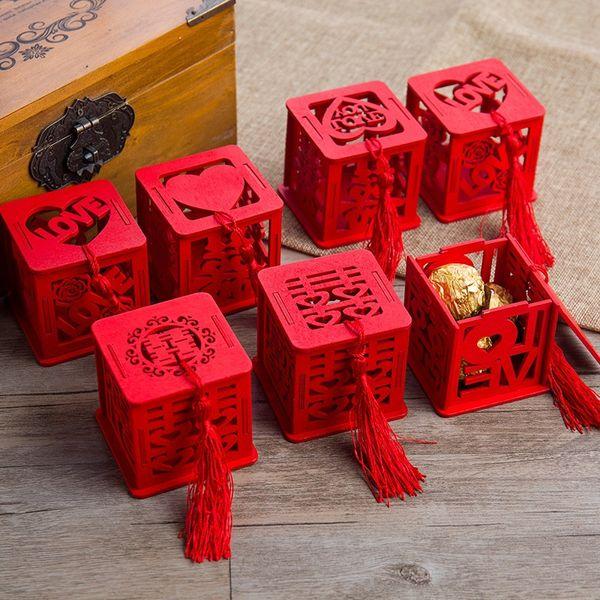100pcs bois chinois double bonheur boîtes de faveur de mariage boîte à bonbons cas de sucre classique rouge chinois avec gland