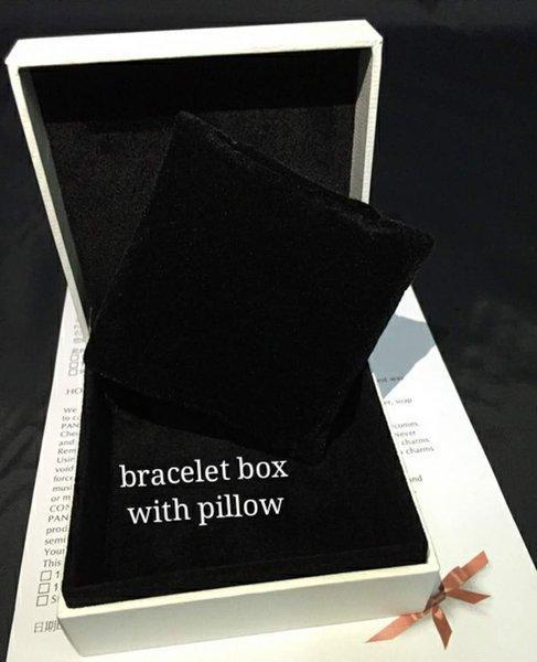 boîte de bracelet avec oreiller
