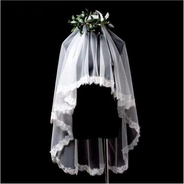 En stock Top Qualité Tulle Blanc Ivoire court de mariée Veils sans peigne longueur couche Fingertip dentelle frangée bord Accessoires de mariage