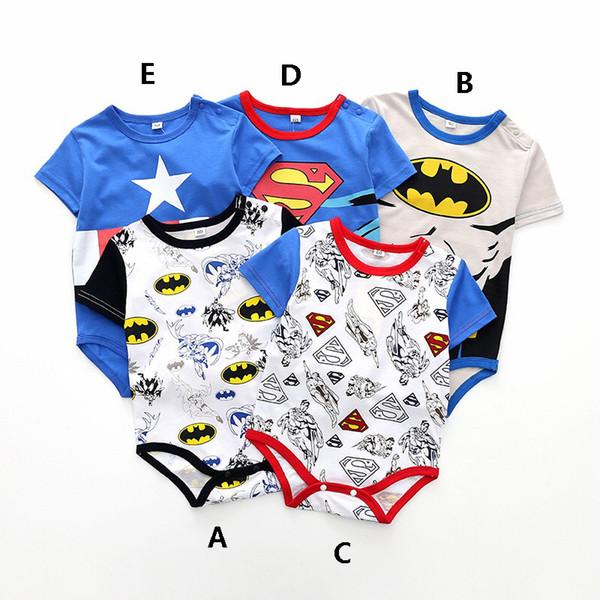 Bodysuits do estilo 5 dos meninos do bebê - o Hulk, o homem-aranha, o homem de ferro e o capitão América bebê caçoa grupos da roupa