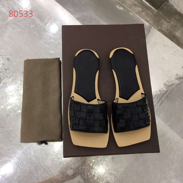 2019ss Hot Sale Fashion slide sandals slippers for women Luxury Hot Designer women Brand beach flip flops slipper BEST Quality 4 colors