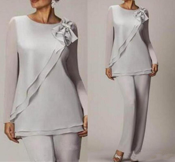2019 Graceful Silver Chiffon Mother Of The Bride Pant Suits Simple Cheap Long Sleeves Wedding Mothers Guest Dress Two Pieces Custom Made