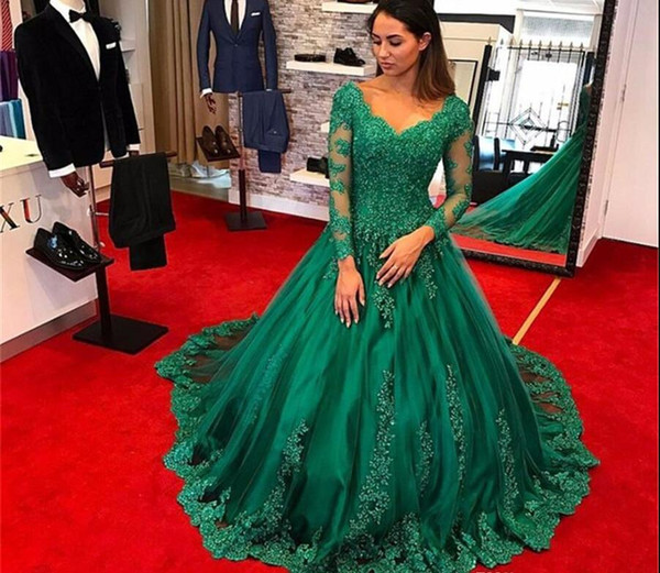 Formal Emerald Green Dresses Evening Wear 2019 Long Sleeve Lace Applique Beads Plus Size Prom Gowns robe de soiree Elie Saab Evening Dre
