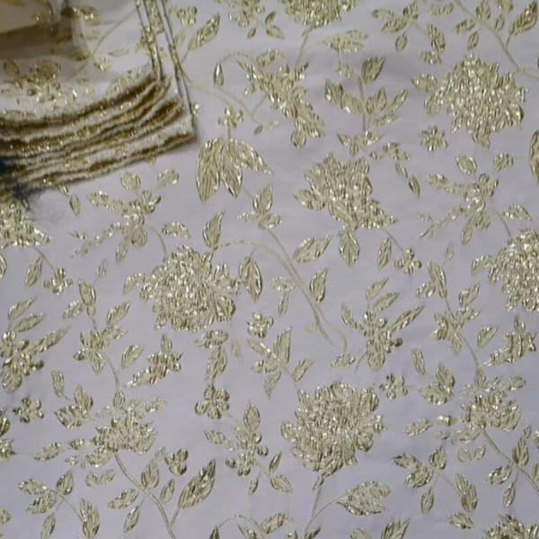 Fornitore di tessuti per abbigliamento 5YDS Accessori per abiti realizzati in tessuto di pizzo jacquard ricamato in oro lurex di alta qualità