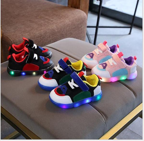 Обеспечение качества амортизирующей воздухопроницаемой износостойкой и нескользящей повседневной спортивной обуви для мальчиков и девочек01