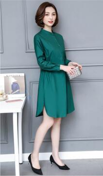 2018 new spring large size women in the long section of single breasted collar loose long sleeved shirt dress