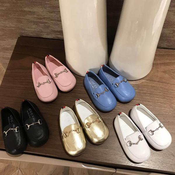 Çocuklar Tasarımcı Ayakkabı Lüks Metal Toka Düz İlk Walkers Kızlar Moda Parti Giyim Erkek Düz Renk Ayakkabı Eur Boyutu 20-25 Heygeorge Giyim