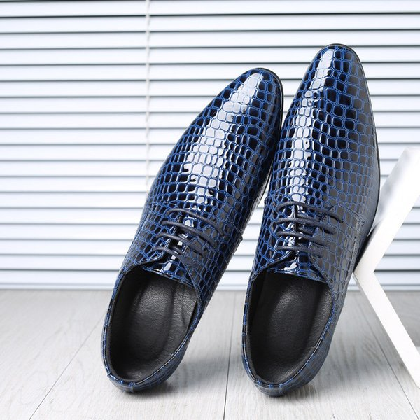 Plus Size Men Dress Shoes Luxury Snake Crocodile Designer Oxfords in pelle verniciata Scarpe moda scarpe da sposa a punta M-33