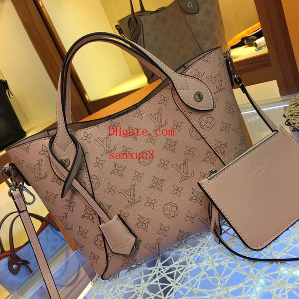 2019 Classic elegant Handbag Messenger Personality Metal decoration Leather handbag Totes Purse Shoulder Bags Crossbody Shopping Bags S-n37