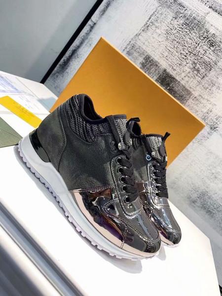 Run Away Suela de ante Zapatillas de deporte superiores con cordones Zapatos de diseñador Tipo de borde de metal de metal Botas de escalada Zapatillas de deporte para correr al aire libre 1L9V1 con estuche