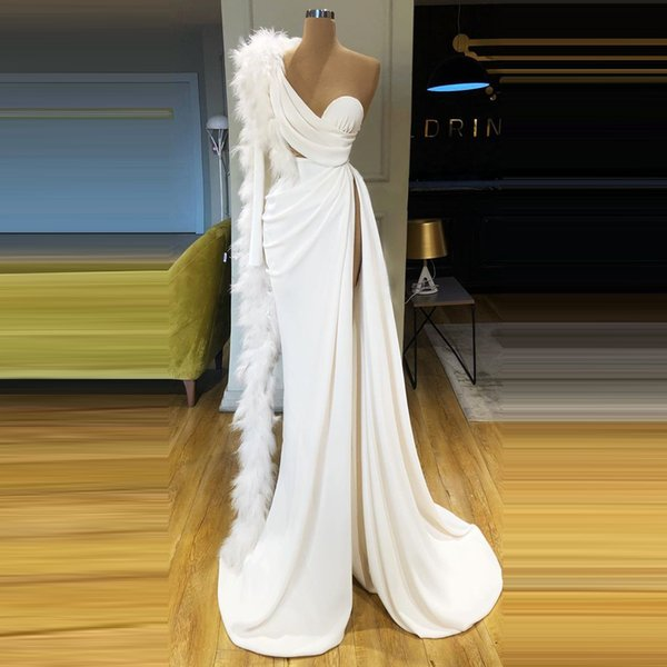 2020 New Design Feathers Formal Evening Dresses White One Shoulder High Split Sheath Gala Party Night Long Prom Gowns For Women AL3576