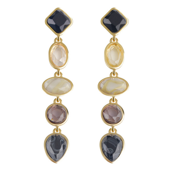 A gift for lovers of the new type of resin earrings in Europe and the United States