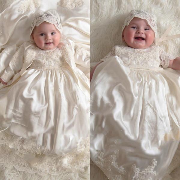 2019 Manches longues Princesse Robes De Baptême Pour Bébés Filles Dentelle Appliqué Perles Robes De Baptême Avec Bonnet Première Communication