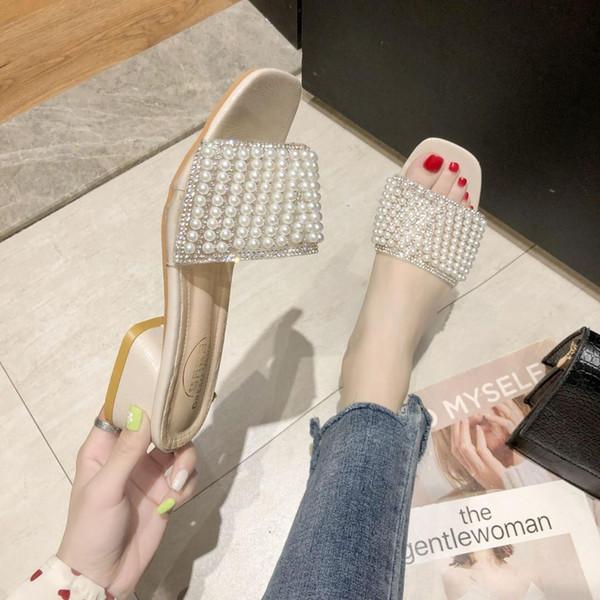 Chinelos Sapatos Med da Mulher 2019 Low Luxo Slides calcanhar Praça de Cordas Bead New Designer Bloco de PVC Moda Hoof Salto Plush curto