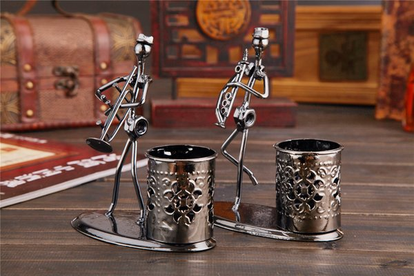 Simple and stylish creative iron band pencil tube office table decoration ornamental gifts handicraft articles practical and appreciable