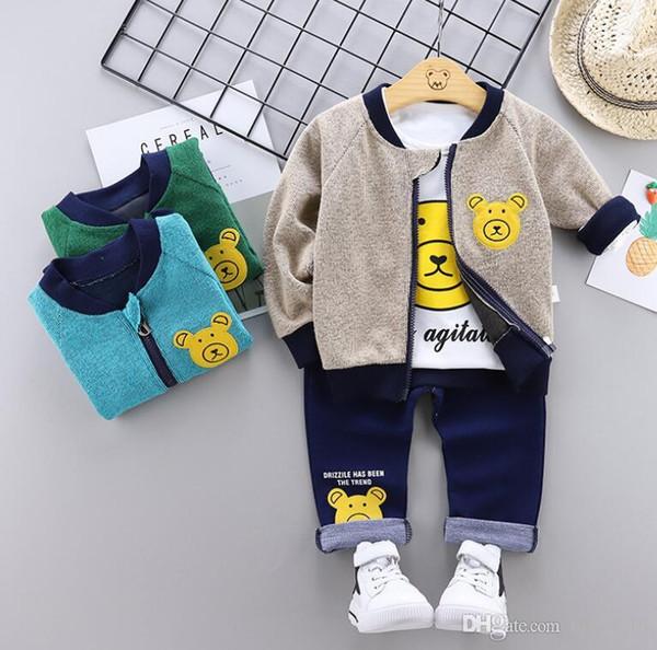 Vestito per bambini 2009 nuovo vestito autunnale versione coreana del neonato a forma di manica lunga tre pezzi per bambini orsi da 1 a 4 anni