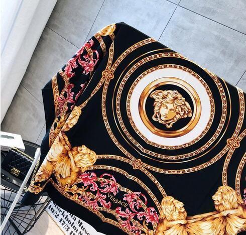 Vente en gros - Foulards en soie 100% hommes et dames couleur pure pure foulard noir cou impression de mode foulards doux