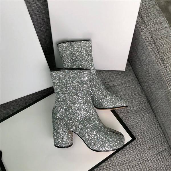 Kadın Yarım Çizmeler 2019 yeni net çizmeler yüksek topuklu tabi deri Hollow Hollow Lady Lady Serin Ayakkabı Boyutu 35-39 8.5 CM