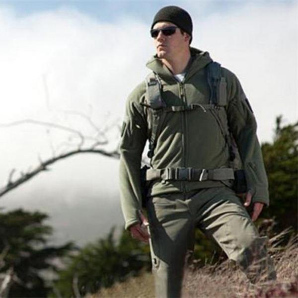 Men Autumn Winter Jacket Soft Shell Fleece Antistatic Sweatproof Quick Drying Windproof Thermal Hiking Hoodie Jackets