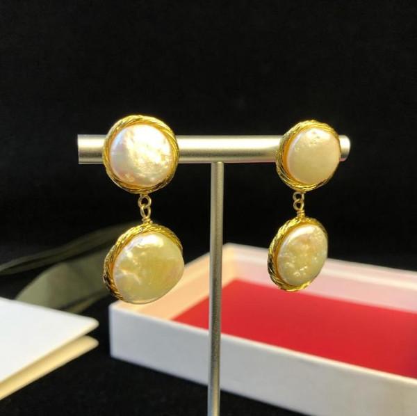 Famosa joyería de diseño europeo colgante pendientes 18 k chapado en oro Pendientes de perno prisionero clásico banquete de fiesta de lujo joyería para las mujeres