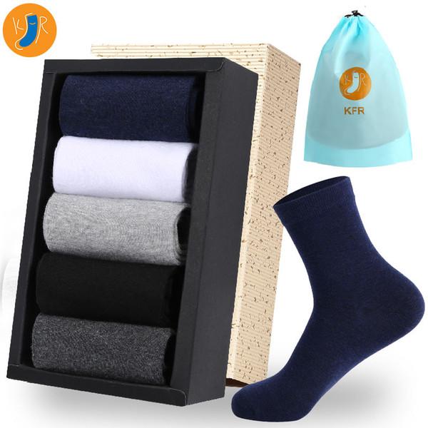 5pairs / Lot 2019 Chaussettes en coton pour hommes Nouveaux styles longues chaussettes d'affaires Robe Hommes Casual Chaussette Pour plus cadeau EUR 39-45 Avec Sac