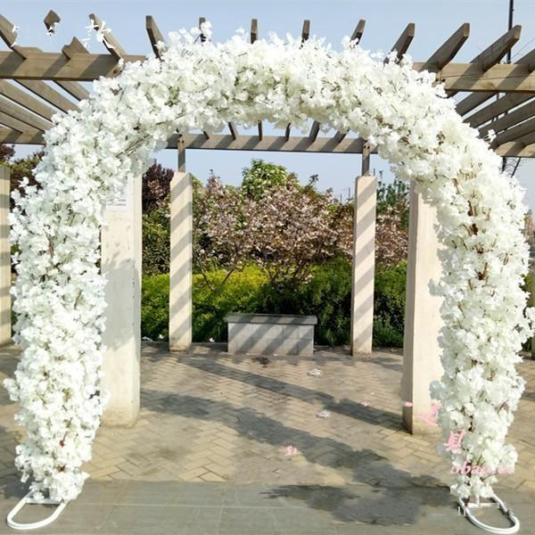 Upscale Wedding Centerpieces Metal Wedding Arch Door Hanging Garland Flower Stands with Cherry blossoms For Wedding Favors Party Decoration