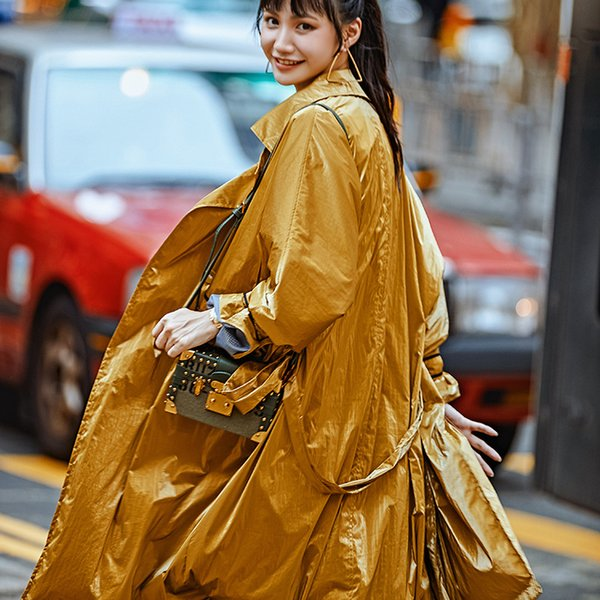 Streetwear Fashion Shiny Long Trenchcoat für Frauen Yellow Overcoat 2019 New Arrival Zweireiher Bandage Windproof Outerwear