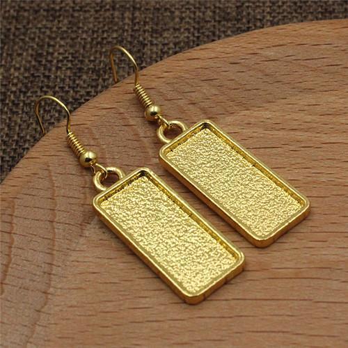 Ouro-com Cabochões limpos