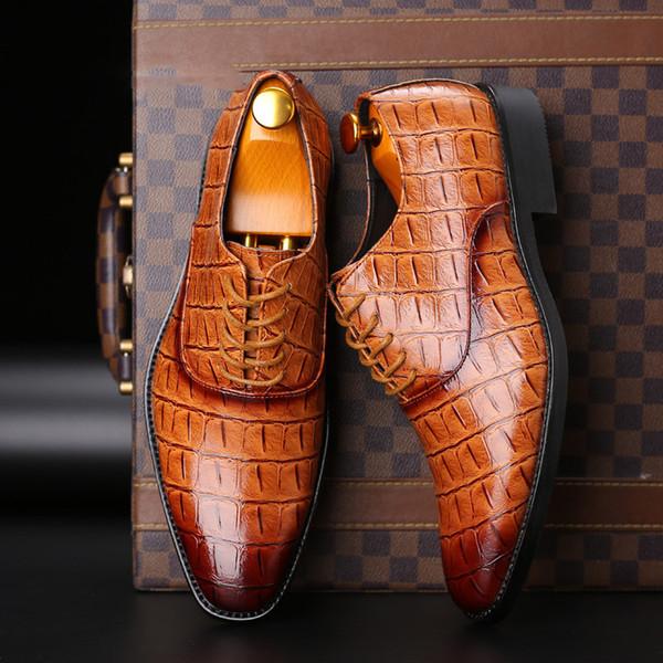 Sapatos Clássicos Dos Homens Para O Casamento PU Terno De Couro Fácil desgaste Homens Apontou Toe Sapatos Lace-Up Business Vestido Formal Sapatos