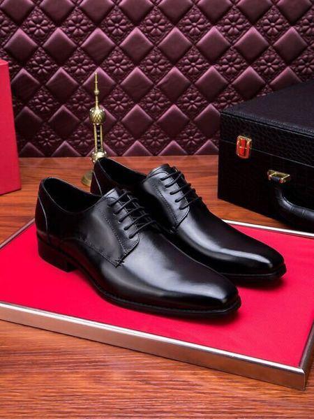 203521 Moda Nuevo Cuero liso Hombres de negocios Vestido Mocasines Mocasines Encaje Ups Botas Controladores Zapatillas de deporte Zapatos