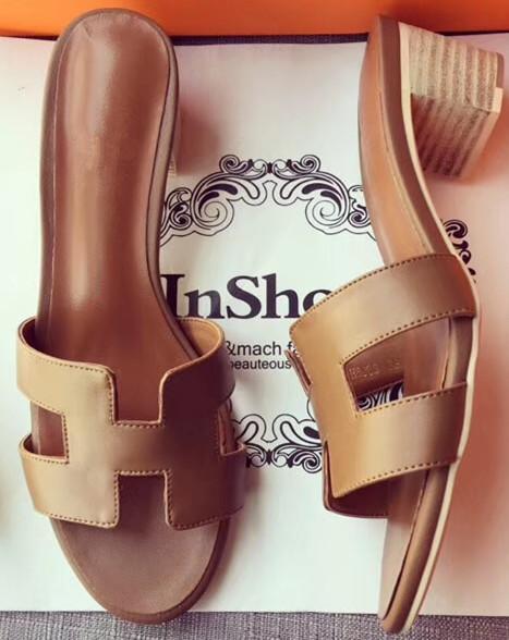 Avec boîte Dust Bag Fashion Classic Brown 5cm Sandales à talons bas en cuir pour femmes Pantoufles Gladiator Tongs Sandales tout-aller 35-41 # 004