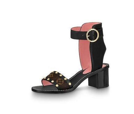 2019 2019 1A4WFE Sandali da Passeggio Pantofole da donna Pantofole Driver Sandali Scivoli Sneakers Princetown Pantofola in pelle Scarpe in vera pelle