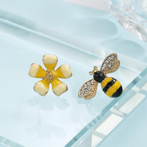 Pendientes antialérgicos de aleación con forma de flor de abeja de diamante Pendientes sen asimétricos para las mujeres joyería de las señoras 2 5jt BB