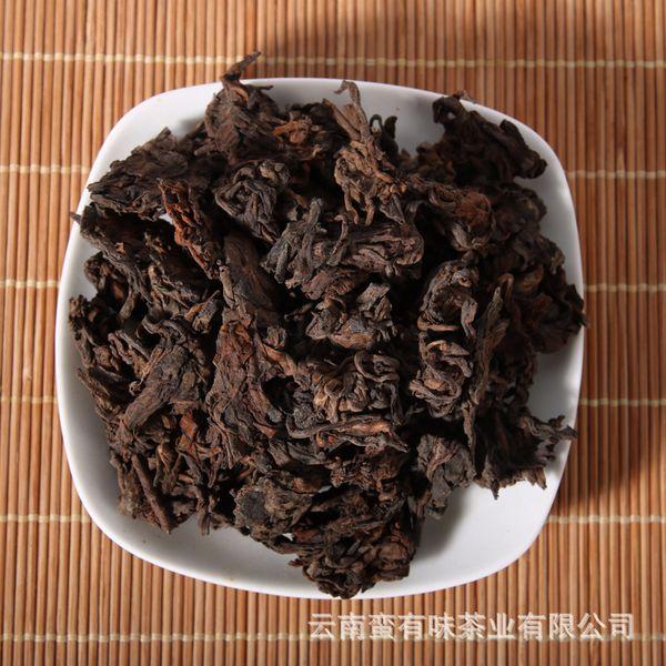 Großhandel Pu'er Tee Alter Kopf Natürliche Tuo Alte Goldene Knospe Zerstreut Chinesischer Tee Menghai Reifer Großer Kopf 250g
