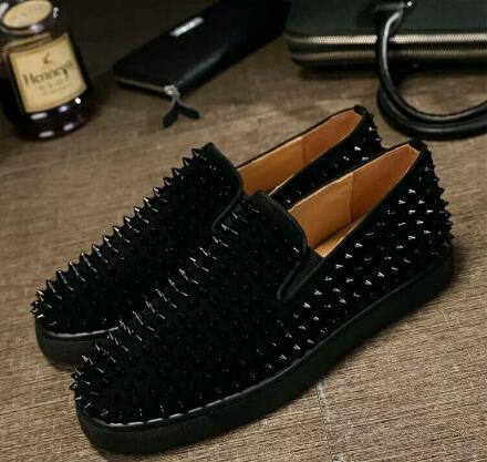 2020 Mocassins Designer de luxe Hommes Femmes Véritable Slip en cuir sur la plateforme Casual Sneakers Spikes de soirée de mariage Flats Hommes Chaussures 35-44
