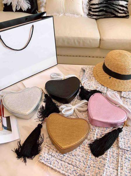 2019 Hot New Fashion Designer Femmes Sac Simple Chaîne D'or Sac À Bandoulière Coeur Forme Portefeuille Carte Sac Bandoulière Messenger Sacs