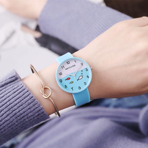 Heiße koreanische Mädchen Serie Candy Silikon Uhr kleine Fische Tabelle Trend niedlich Student Tabelle paar Quarzuhr