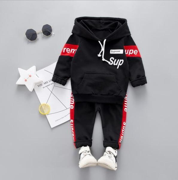 Best-seller de nouveaux vêtements pour enfants 2021 Printemps et Automne Nouveau Style Hommes bébé deux pièces costume à manches longues vêtements pull