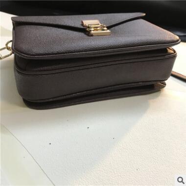 2019 Women Messenger Bag Chains PU Leather Shoulder Bag Vintage Small Mini Flap Bag Fur Ball Decor Bolsas Crossbody Handbags