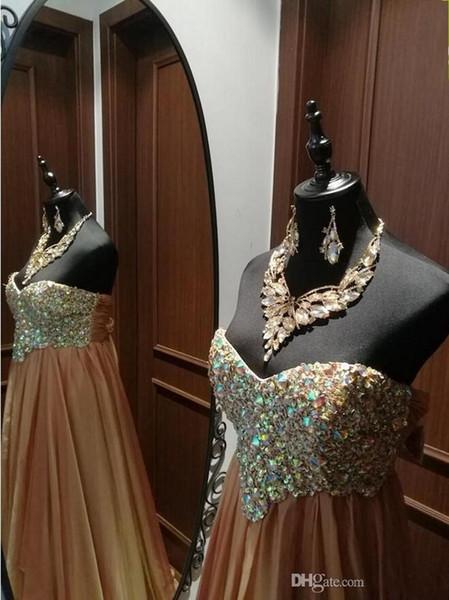 2019 Nuevo otoño Nuevo diseñador Dorado fuera del hombro Vestido largo de noche de gasa con cuello alto Aline Gasa con diamantes y cuentas Vestido de fiesta