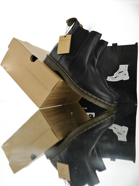 Top qualité Dr Doctor 2976 bottes homme classique dr monsieur Femmes Hommes Bottes Marque Martin bottes fourrure chaude Chaussures Femme eur 36-44